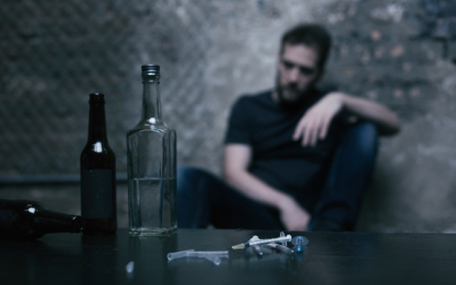 Signs Someone You Love Has A Drug Problem
