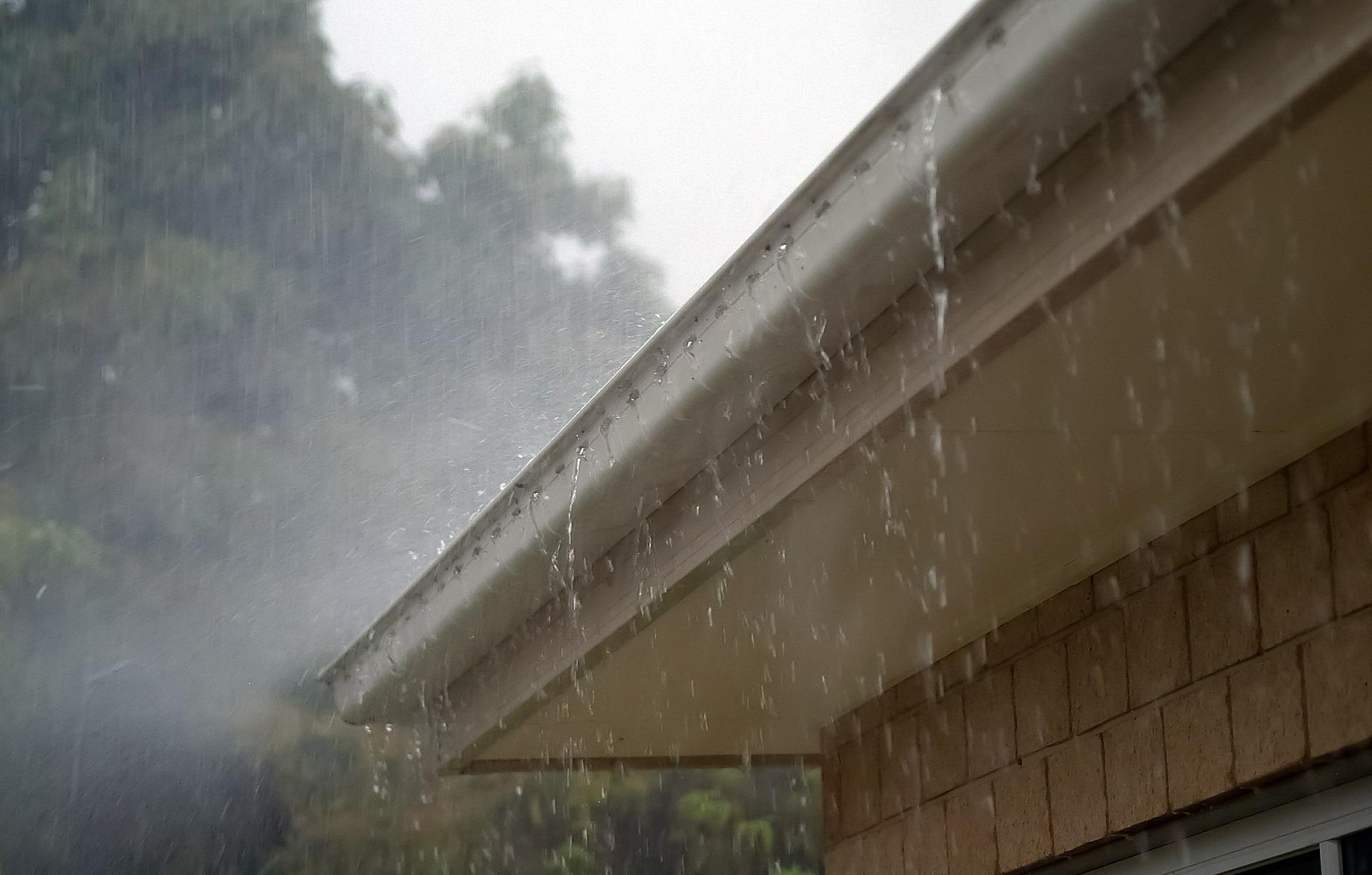 Rain_gutters