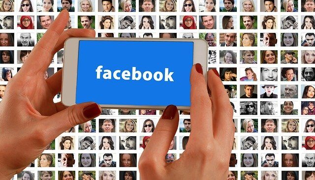 Tips for Saving Pictures From Facebook